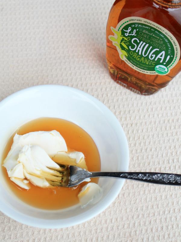 Cream Cheese Glaze for Cookies   |   #theSHUGAway