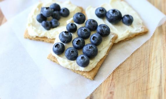 No-Bake Blueberry Cheesecake Bites   |   #theSHUGAway